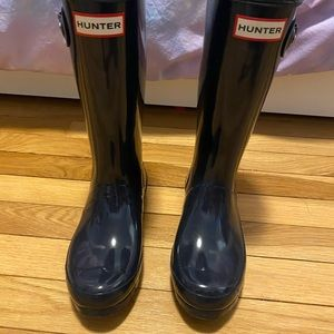 Original Big Kids Gloss Rain Boots Size 2 in Navy